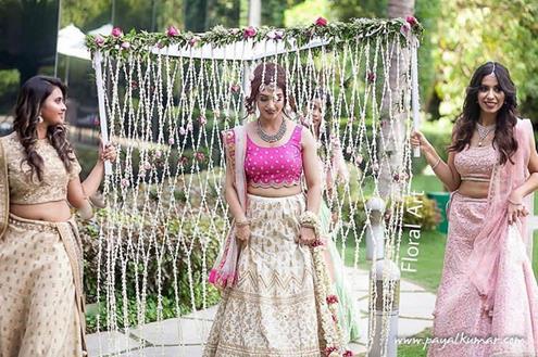 Trending New ideas for Phoolon ki Chadar | Different types of Phoolon ki Chadar | Bridal entry | Bridal swag | Floral Jaal | Flower jaal as trail | Solo bridal entry |