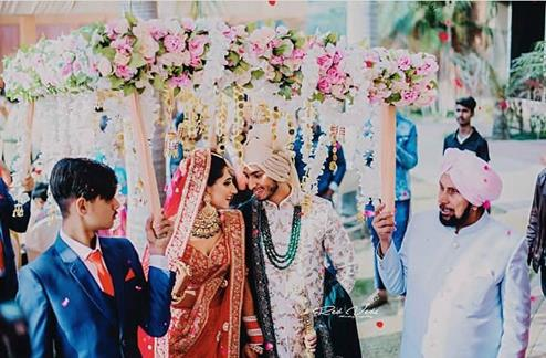 Trending and New phoolon ki Chadar | Bridal entry ideas | Real Flowers and Hnagings