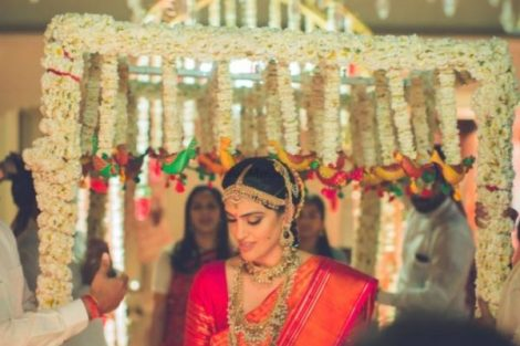 Trending New ideas for Phoolon ki Chadar | Different types of Phoolon ki Chadar | Bridal entry | Bridal swag | Hanging floral chains with parrots at end | Rajasthani cloth parrots |