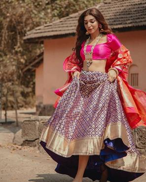 Indian bloggers | Wedding outfit ideas | Outfits by Bageecha | Brocade | mehendi outfit ideas | Budget bridal outfits |