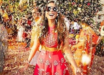 Isha Ambani | Phoolon ki holi | trending | Chemical free | Safe holi | Udaipur | Celebrity weddings