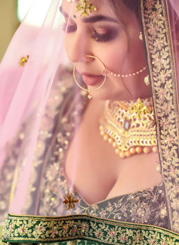 Bridal Portrait | Ghunghat shots | Gold Jewelelry | Real indian Brides | Nath | Nose ring | Portrait Photography | Love | Goals | Bridal goals | Makeup for Indian brides |