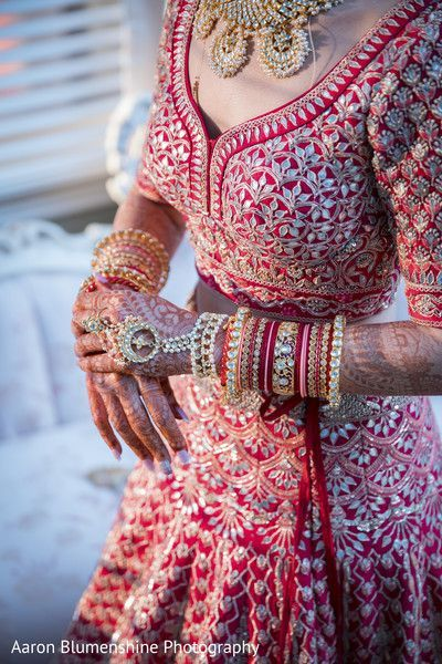 latest bangle designs | Getting ready photoshoots | Pretty bangles | Red lehenga | Gota patti work | Red bride | indian weddings | Wedding Photography