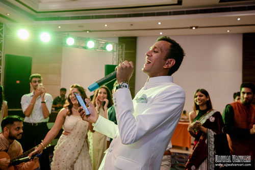 Indin actress Niti Taylor's fiancé Parikshit | Niti & Parikshit Engagement Ceremony | Groom Engagement Outfit | Parikshit's song dedication for Niti | Groom Outfit Ideas