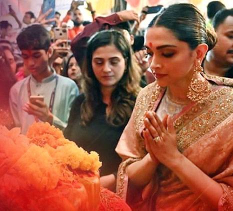 Deepika Padukone at Ganesh Puja | Diwali parties | Celebrity Diwali | Sabyasachi saree | Ranveer Singh | Newlywed