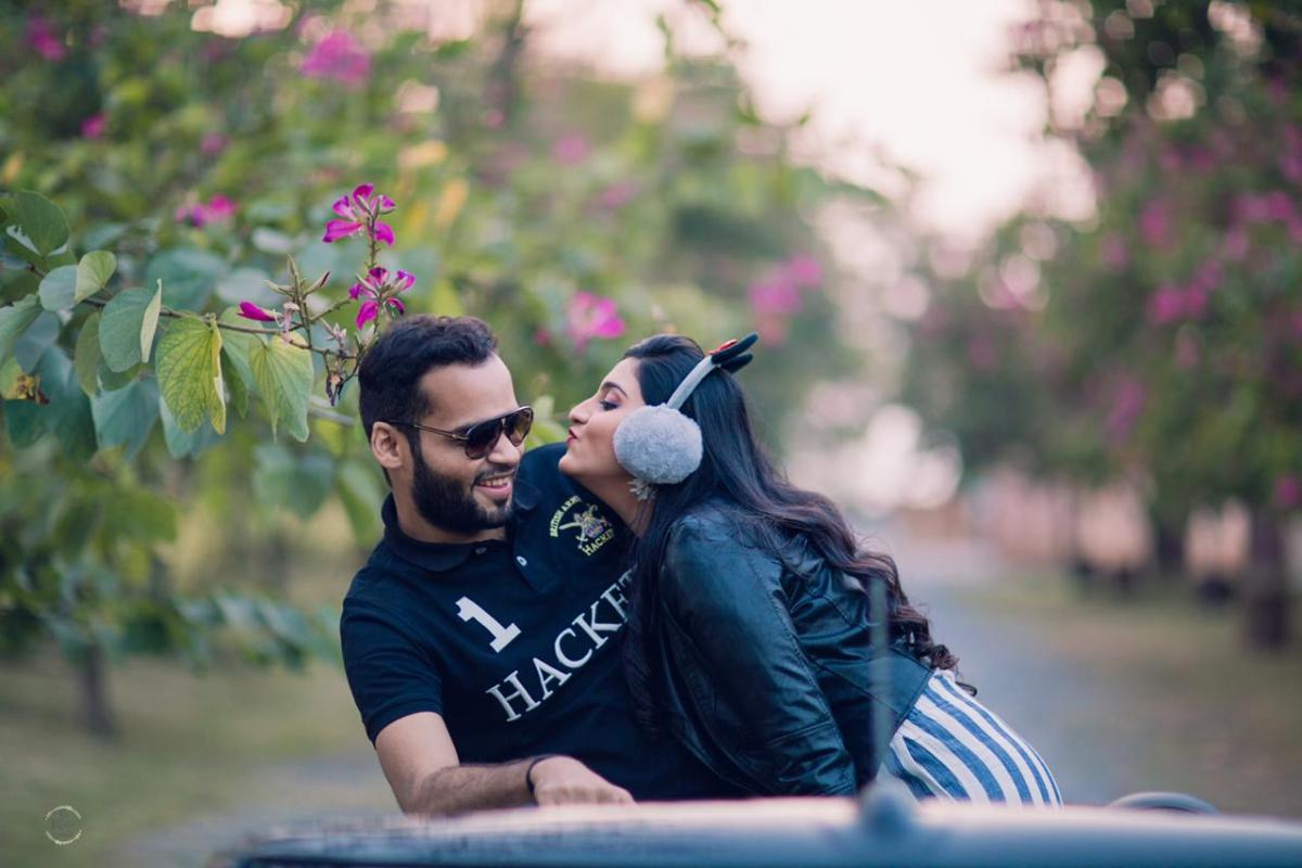 photoshoot ideas for bride and groom | stuti and mukul | A beautiful love story of Stuti and Mukul, the high school sweethearts.