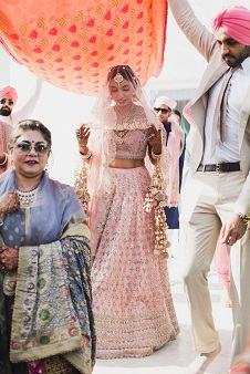 Pankhuri & Gobind | Anushree Reddy Bride in Pink and gold lehenga | Unique kalire designs for Indian brides | Veil shots