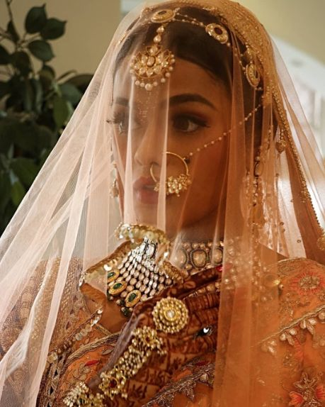 Indian bride Sonyaa Ayodhya dressed up for her wedding day