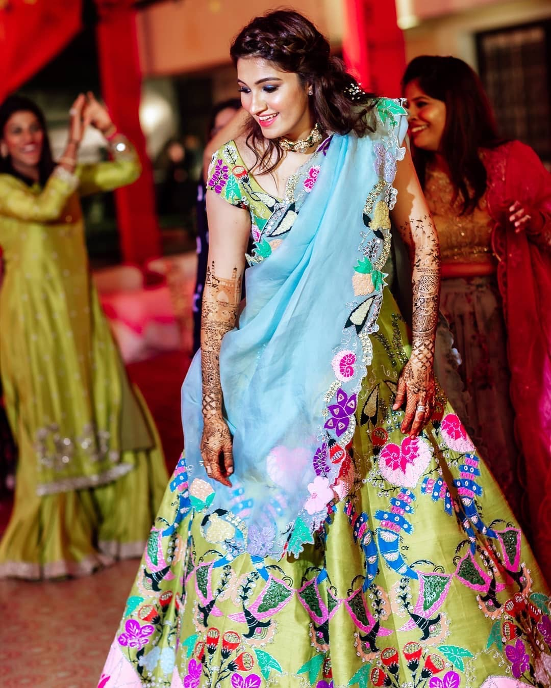 mehendi designs | colourful mehendi outfits | bridal mehendi lehenga |mehendi hairstyles | sania mirza and anam mirza | anam mirza wedding | anam mirza mehendi | mehendi outfit | bridal mehendi outfit | celebrity weddings indian bride | polki dimond | bridal makeup for Indian brides | bridal outfit | designer brides | indian celeb wedding | #celebrity #indianceleb #celebwedding #polkidiamond #polkinecklace #anammirzawedding | anam mirza wedding | babys breath hairstyle | # mehendi #bridallehenga #wittyvows #bridesofwittyvows #mehendidesigns #celebritymehendi #babysbreath