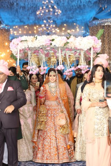 Lehenga Colour trends | orange bridal lehenga | anita dongre lehenga | latest anita dongre lehenga | wittyvows | 2020 lehenga trends for indian brides | chooda designs | #wittyvoes #lehenga #2020bridallehenga #bridallehengacolours #lehengacolours #orangelehenga #anitadongre #bridesofwittyvows #polkidiamond