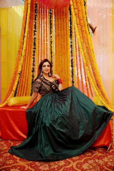 green outfit for the bridal mehendi day | Karishma & Pratham - a love story of two advocates