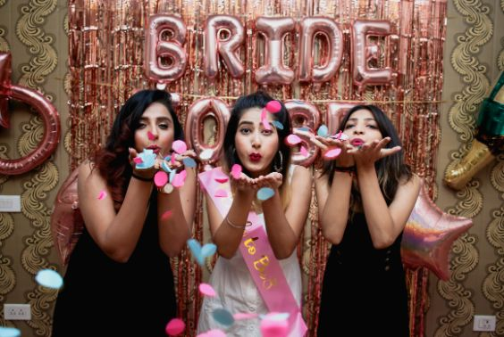 brides and bridesmaids having some fun | BACHELORETTE:  The Friends Way