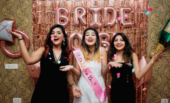oh yes I'M the bride | BACHELORETTE:  The Friends Way
