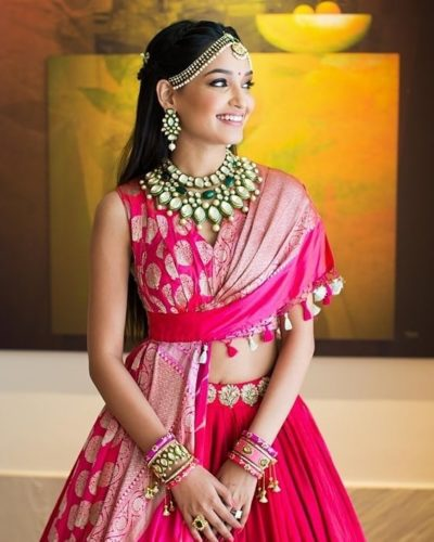 pink lehnga | diamond jewellery necklace | #wittyvows #polkinecklace #indianweddings designs Polki Jewellery necklace designs | pink lehenga | indian bridal jewllery |