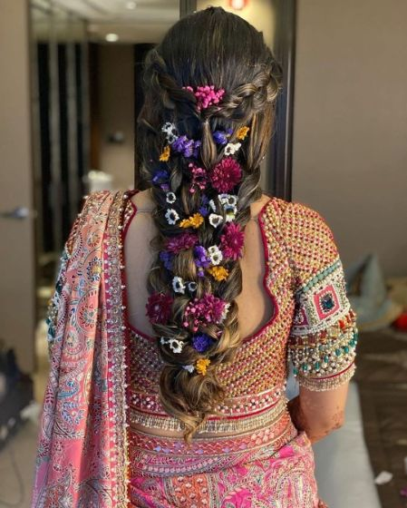 stunning hairdo ideas   Mehendi Function Mistakes