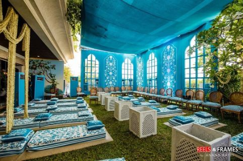 blue themes modern wedding decor |
