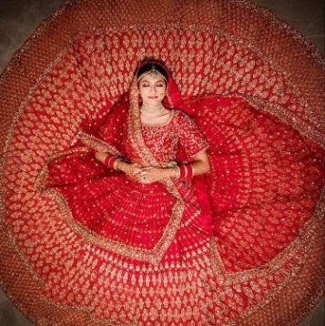 red bridal lehenga | Wedding Planning Checklists