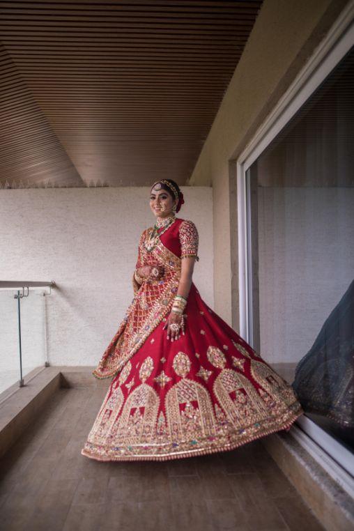 bridal twirl | stunning lehenga