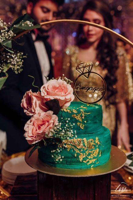 Engagement cake ideas | Prettiest Vintage Decor For Mehendi