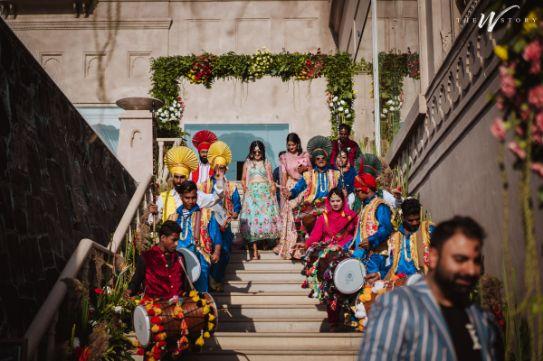 indian bridal entry on mehendi | Destination Wedding in Jaipur