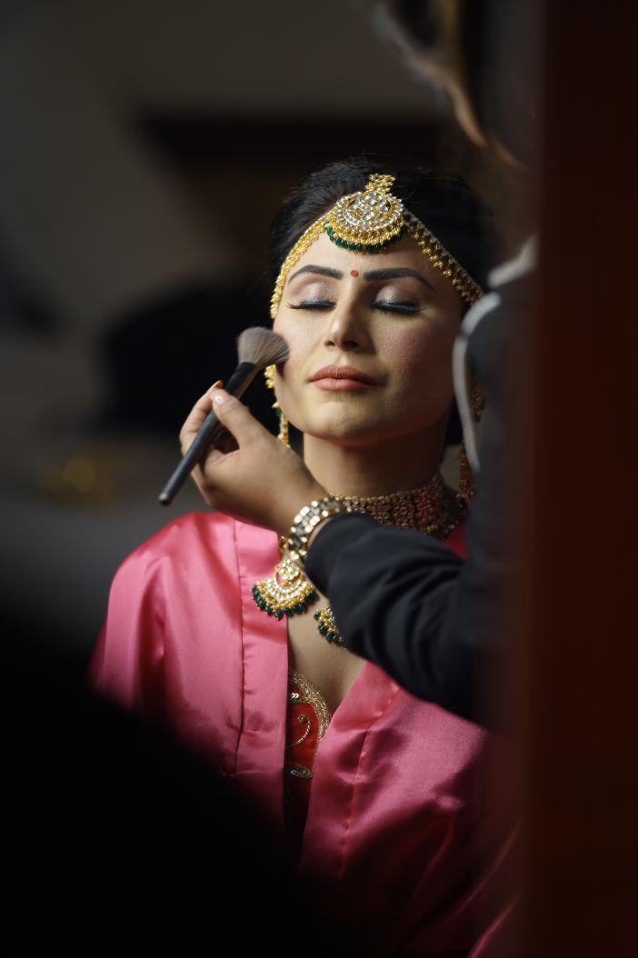indian bride getting ready photos| Surprise Proposal wedding