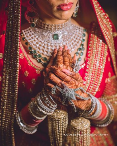 Unique bridal hathphool design in  diamond