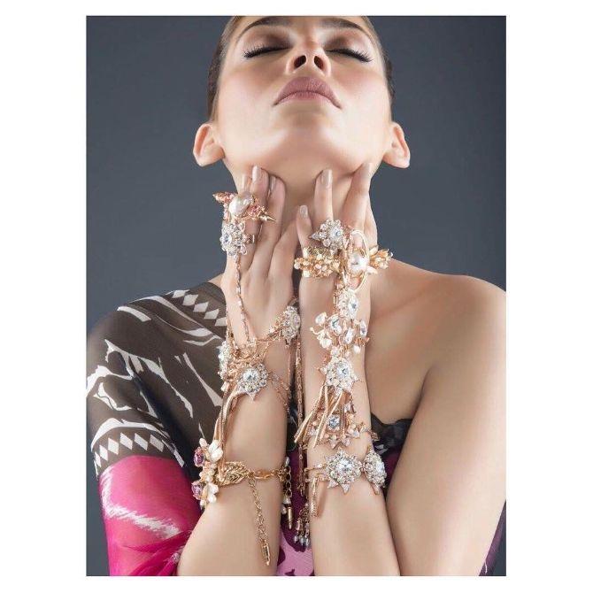stunning and uniquely designed hand harness | Diamond Haathphool & Bracelet Designs