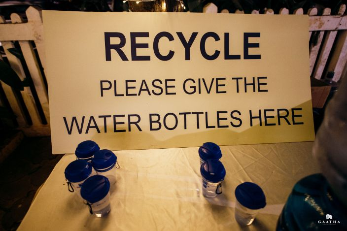 eco friendly wedding | recycleable water bottles