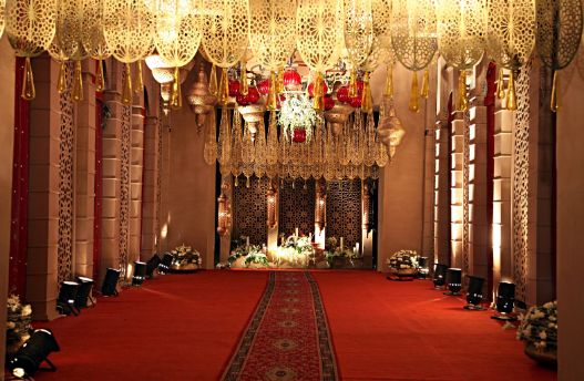 Mughal decor inspo | carpets ta Indian weddings