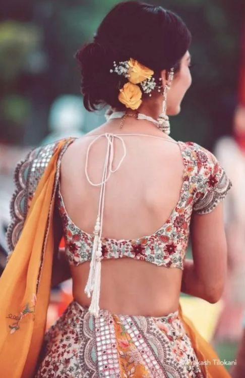 backless blouse styles for wedding lehnga | dori style indian | anita dongre bridal lehenga styles | back blouse styles for indian brides of 2020 | #wittyvows #indianbrides #lehengastyle #bridallehnga #peachlehenga #whitelehenga #backlessblouse