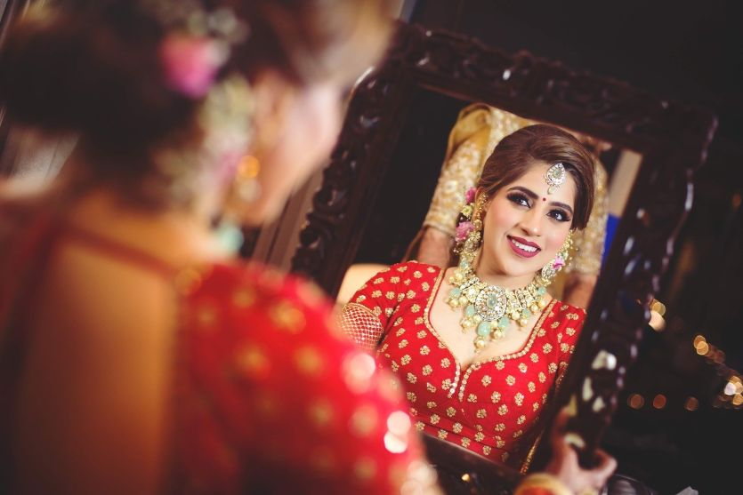indian bridal photoshoot ideas | Sabyasachi Bride