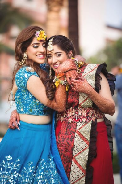 bff goals | sister of the bride | candid pictures