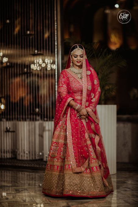 lehenga | dupatta draping ideas |Gorgeous Sabyasachi Lehenga in Pink - Delhi Wedding