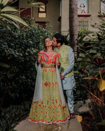 couple outfit ideas | indian mehendi celebration