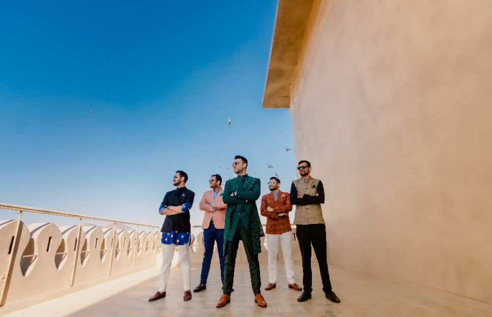 groom and groomsmen photo shoot