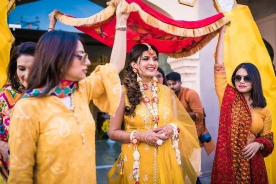 floral jewellery for haldi ceremony | bridal entry ideas