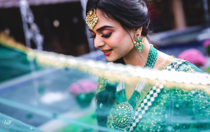 dupatta shots | indian wedding photography ideas