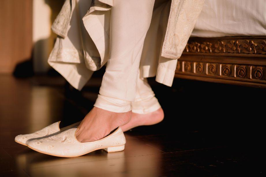 indian groom footwaer in white for wedding day | Fun Jaipur Wedding