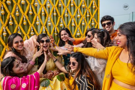 haldi ceremony | bridesmaids photoshoot ideas