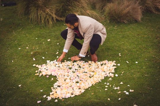 heart with flowers proposal ideas | Cutest Surprise Proposal Ideas