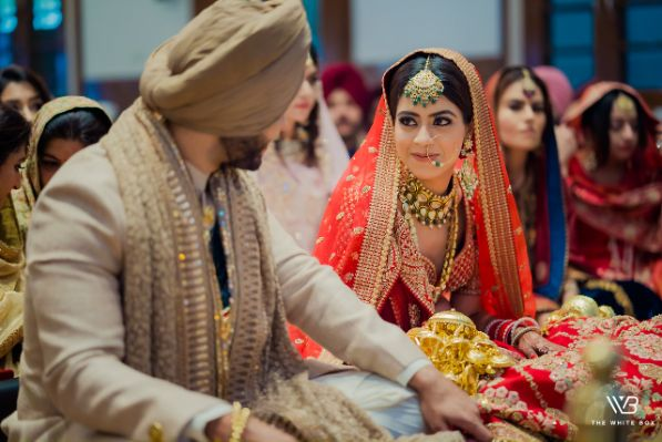 candid photos from a sikh wedding