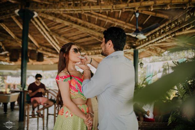 candid couple photos | indian weddings