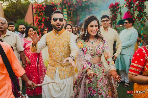 bride in stunning lehenga | groom in yellow bandi | Major Mehendi Outfit Goals