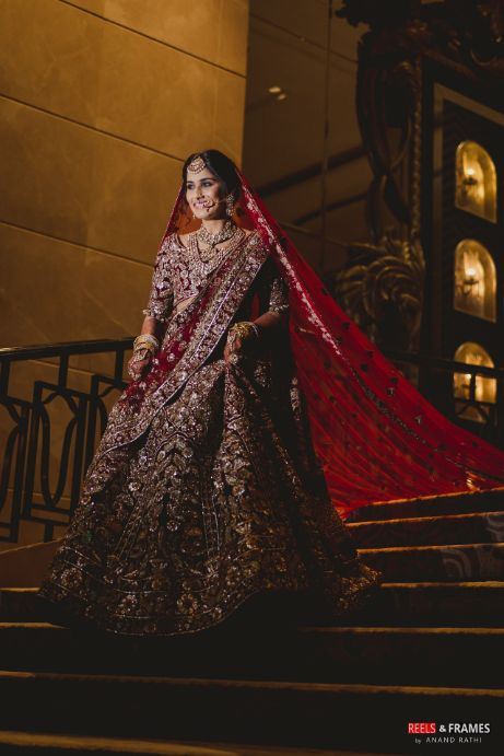indian bridal deatils | indian photo poses for a bride