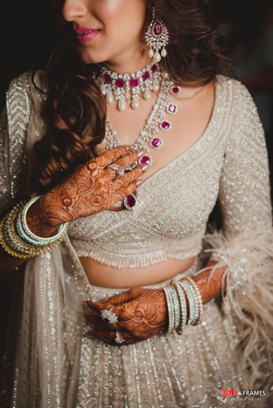 stunning ruby necklace | blouse ideas in trend | Major Mehendi Outfit Goals