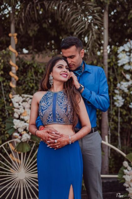 couple photography | blue outfit
