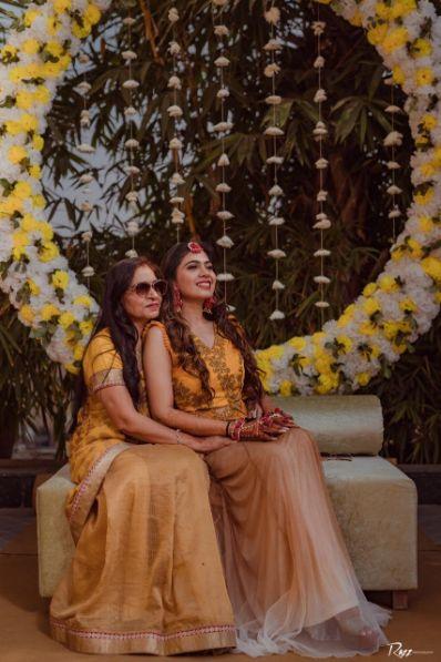 candid captures at a wedding | haldi ceremony