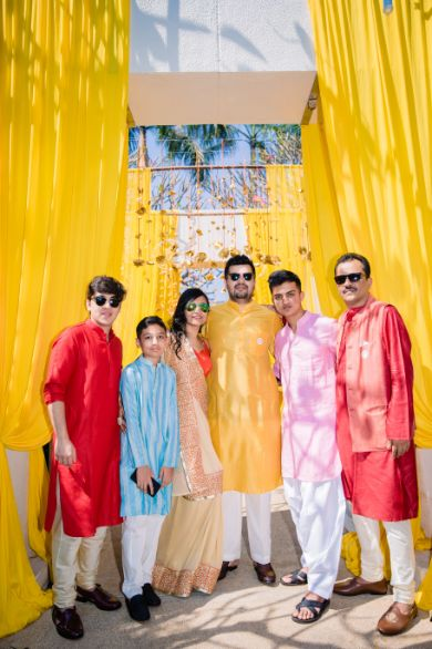 family photograph at indian weddings