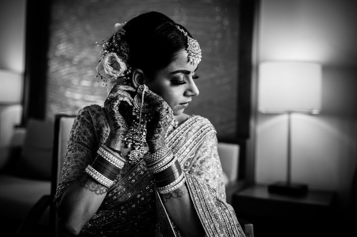 getting ready pictures of an indian bride | Beach Wedding in Hua Hin