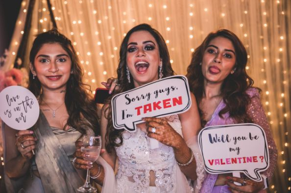 saying it with the cards | idnia weddings